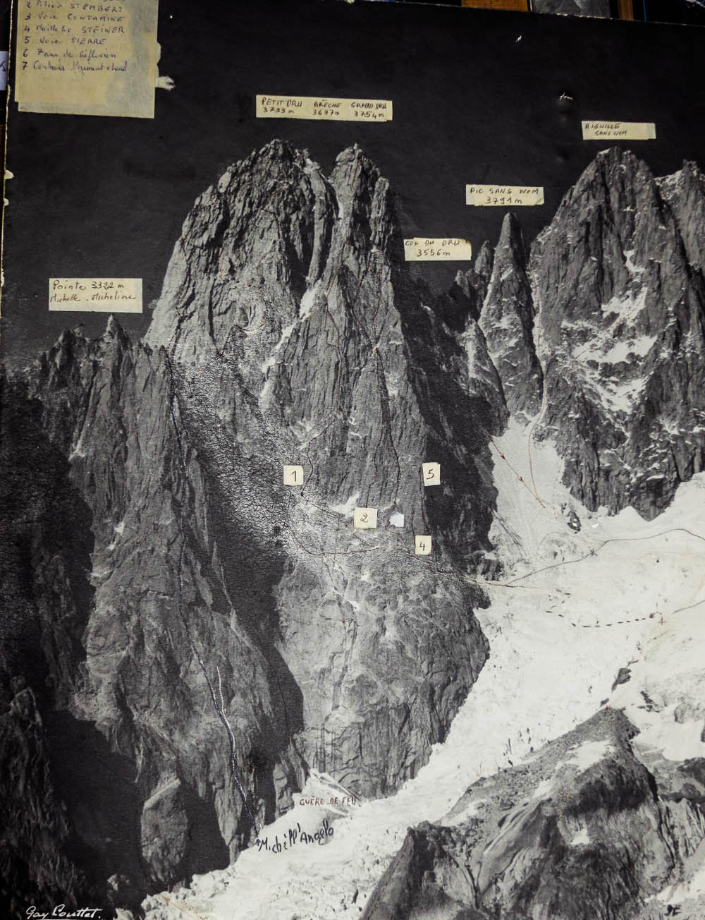 Photo-topo of Drus in the Charpoau